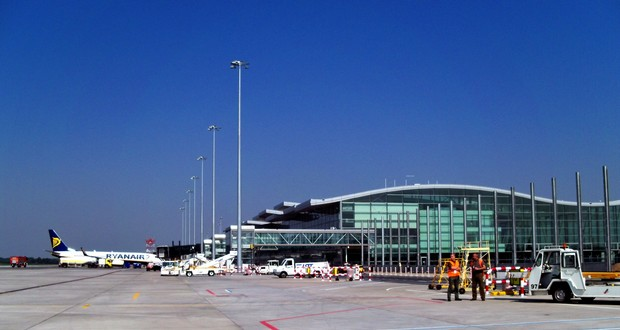 Airport Wroclaw : Another record year for wroclaw airport wrocław uncut