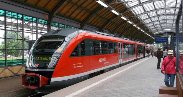 Wroclaw dresden rail link axed wroc aw uncut for Berlin to dresden train