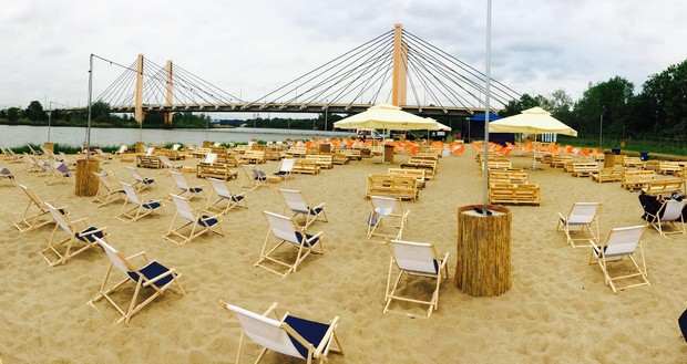 Beach Bars Set To Open Before The End Of April